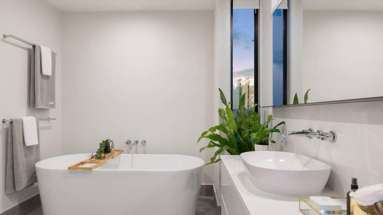 Ventajas e inconvenientes de la bañera en un cuarto de baño