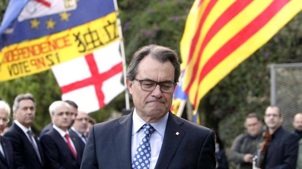 Foto: Apoyo de los independentistas a Artur Mas ante su declaración por la consulta del 9N