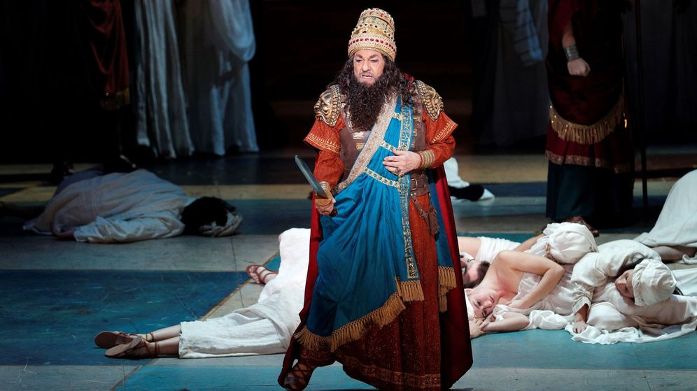 Foto: El barítono madrileño, Plácido Domingo, durante el ensayo general de la ópera de Verdi 'Nabucco'. (EFE)