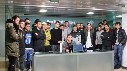 El Betis condena el trato a Zozulya y Tebas amenaza con una querella criminal