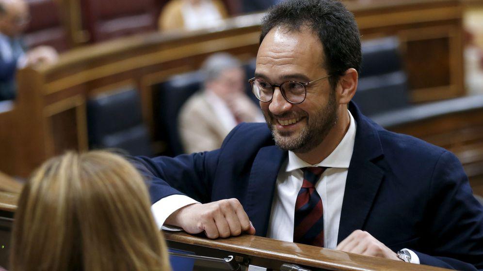 Foto: Antonio Hernando, durante su etapa como portavoz del PSOE en el Congreso. (EFE)