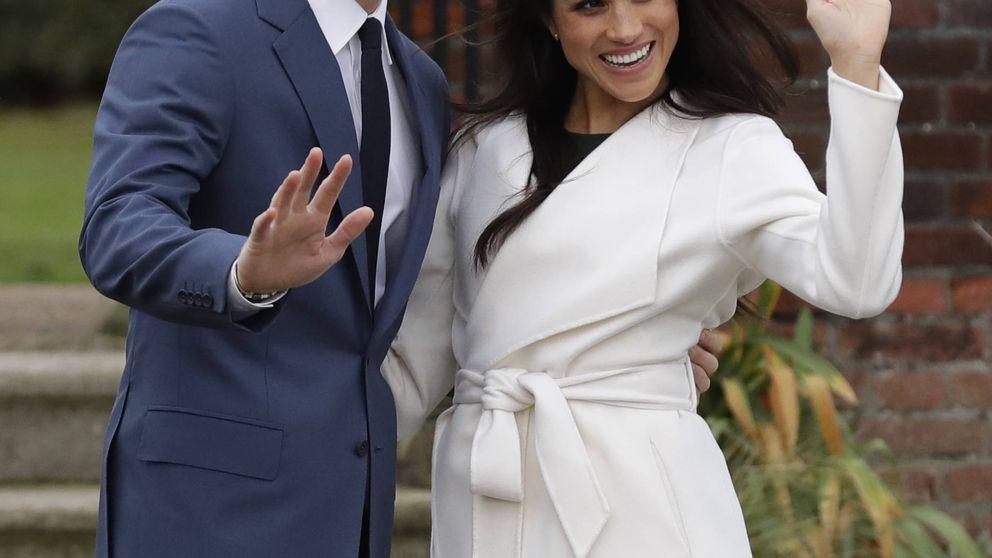 El anillo, las miradas... Así ha sido el primer posado oficial de Harry y Meghan tras anunciar su boda