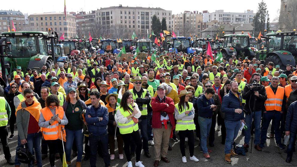 Los agricultores mantienen el pulso en la calle tras un mes de protestas