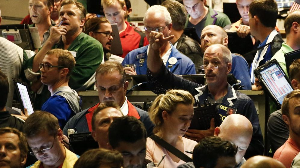 Foto: Corredores de bolsa trabajan en el índice de acciones S&P500. (EFE)
