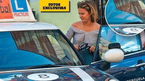 Laura Escanes se saca el carnet de conducir en la autoescuela de los famosos de Cuenca