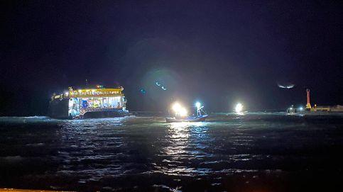 Encalla un ferry de pasajeros en Agaete (Gran Canaria) debido al temporal
