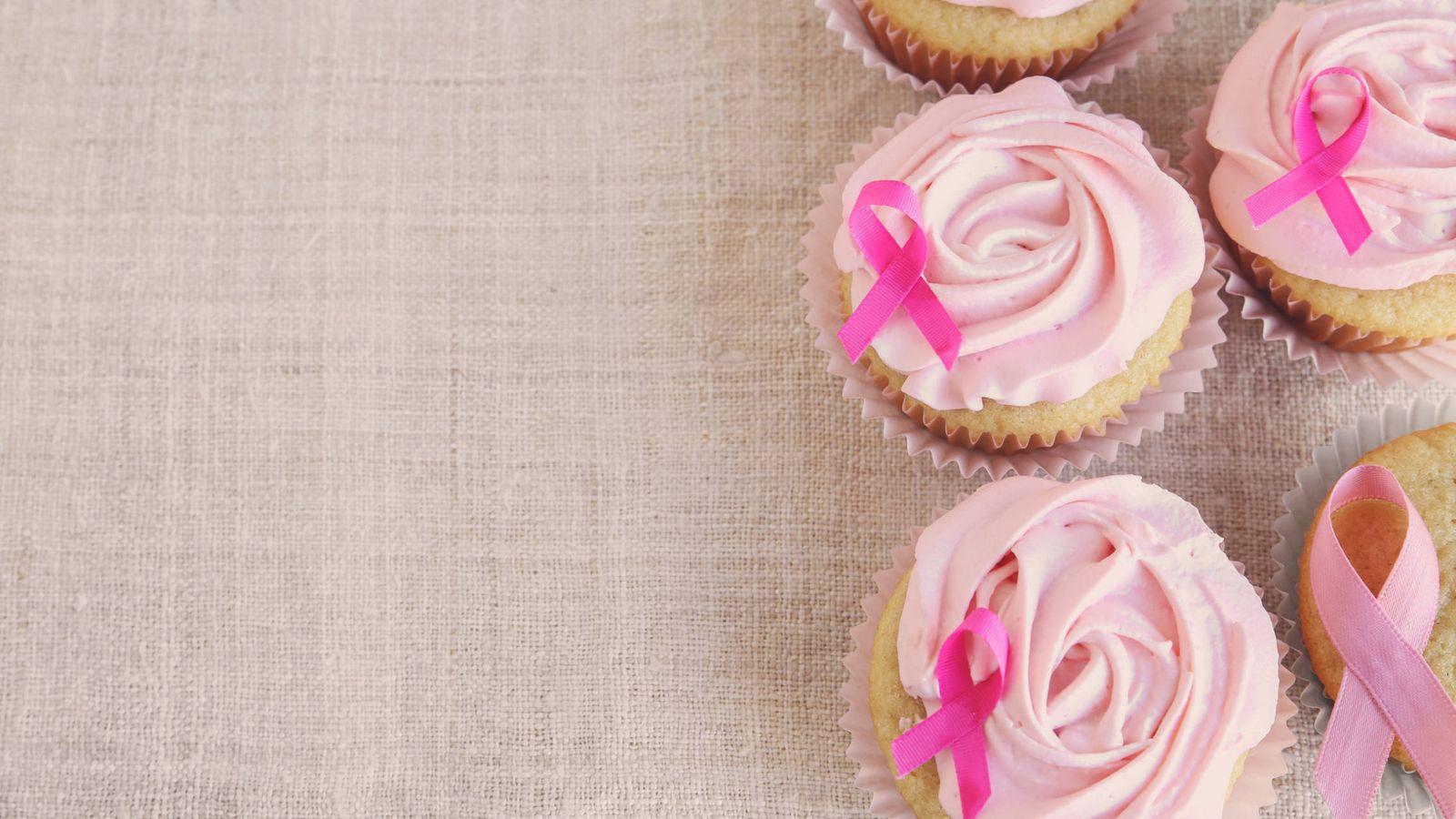 Foto: El exceso de calorías eleva el riesgo de cáncer de mama HER2 positivo. (iStock)