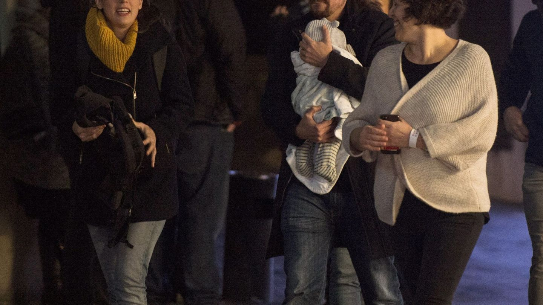 Pablo Iglesias e Irene Montero, a su llegada al Espacio Harley en Madrid, desde donde siguieron los resultados de las elecciones. (EFE)