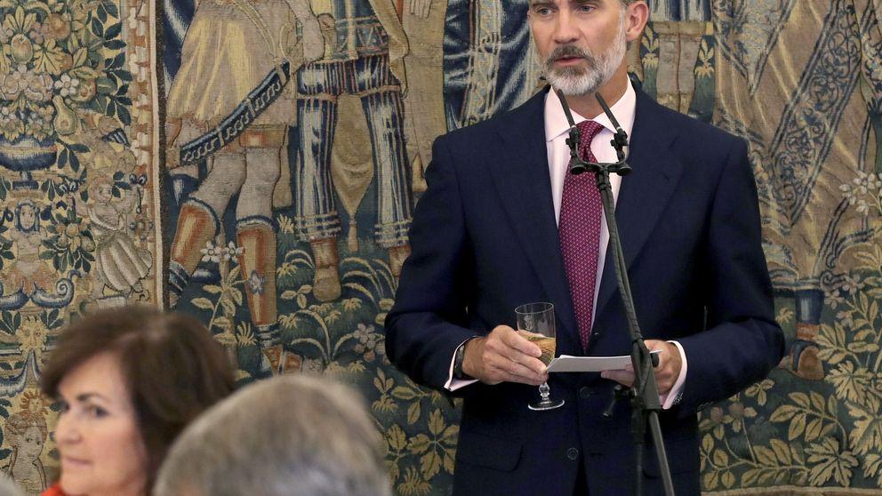 Sánchez e Iglesias pactan cambiar los delitos de injurias al Rey y ofensas religiosas