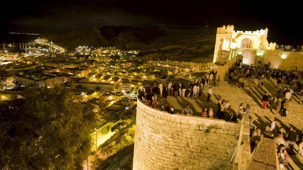 Foto: Alcazaba de Almería, uno de las construcciones defensivas medievales más significativas y mejor conservadas del antiguo Al-Andalus. (EFE)