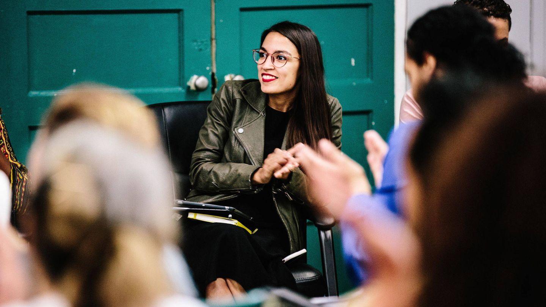 Alexandria Ocasio-Cortez, en un acto de campaña. (EFE)