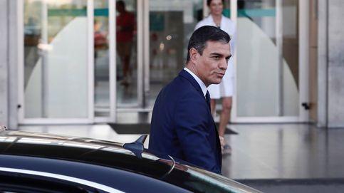 Sánchez visita a Don Juan Carlos, a quien ha encontrado muy bien
