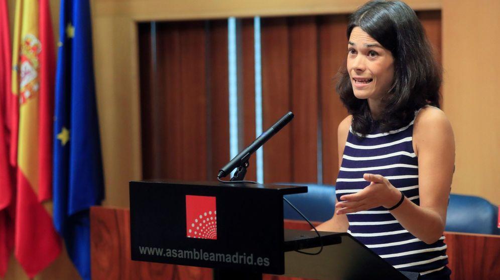 Foto: La portavoz de Podemos en Madrid, Isabel Serra, en una rueda de prensa. (EFE)