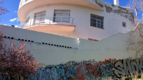 La piscina-club Stella: así se desmorona otra joya arquitectónica madrileña