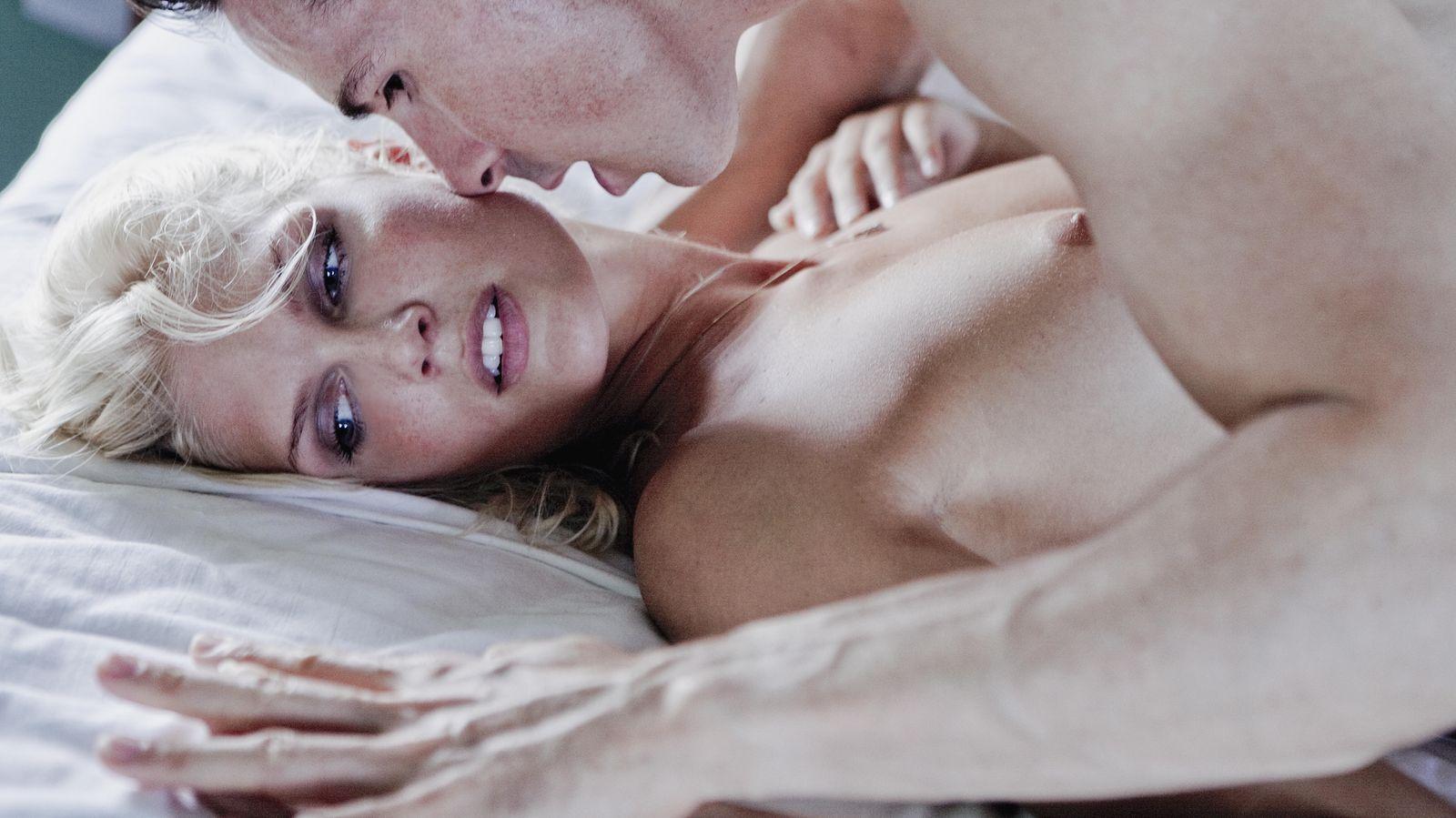 Foto: Desviar la mirada, estirar las piernas, encorvar la espaldas, gritar... ¿Qué sensaciones son las que les hacen retorcerse de placer? (Corbis)