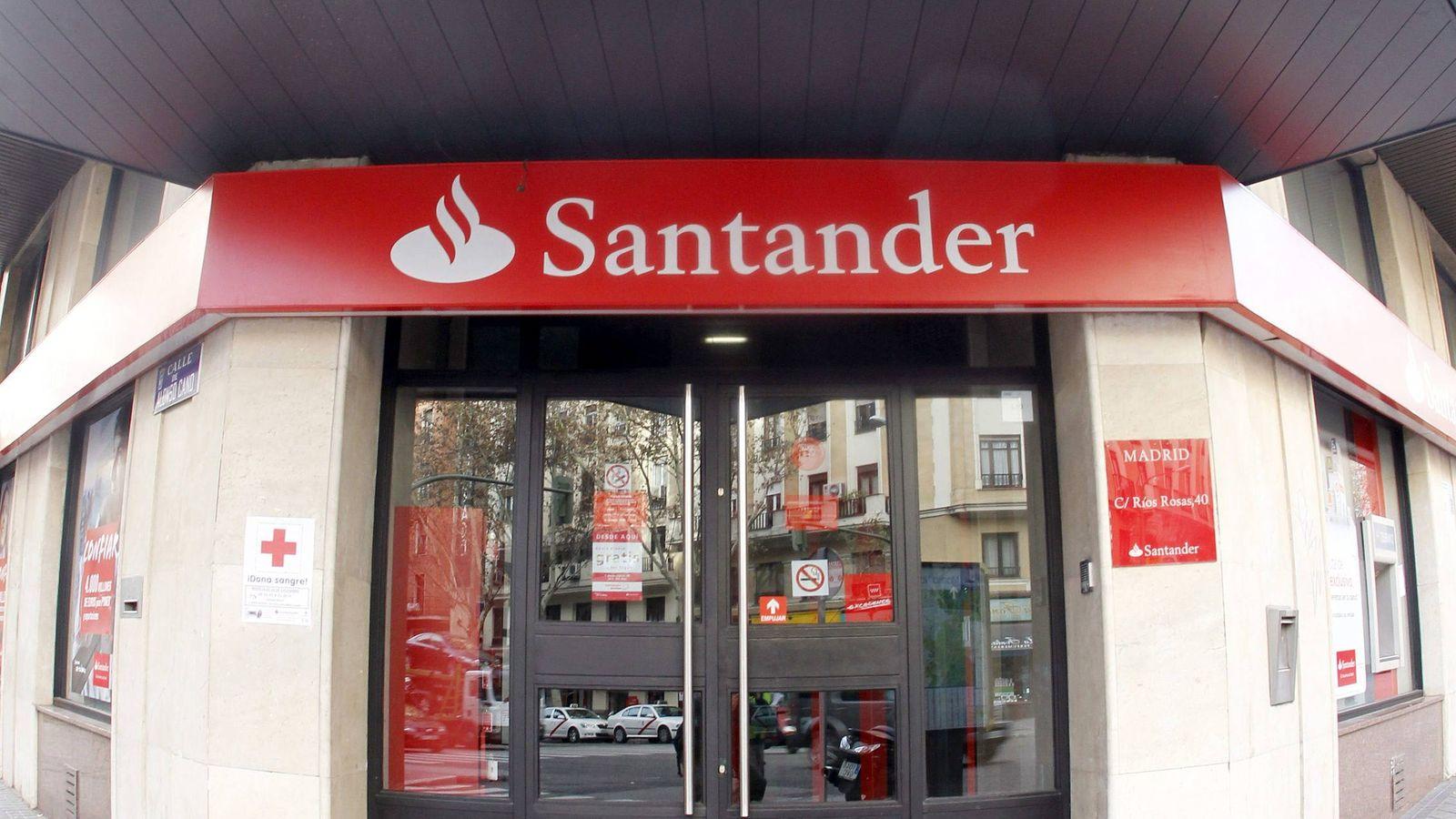 Foto: Oficina del banco Santander (EFE)