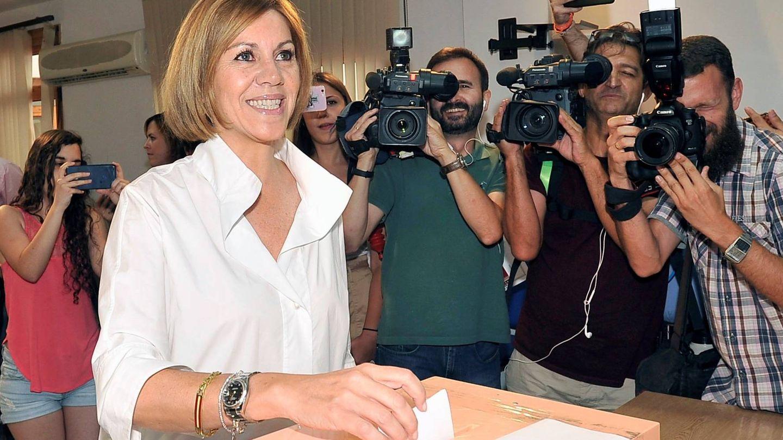 Mª Dolores de Cospedal vota para la presidencia del PP. (EFE)