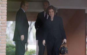 La Reina acude a casa de los Marichalar para mostrar sus condolencias