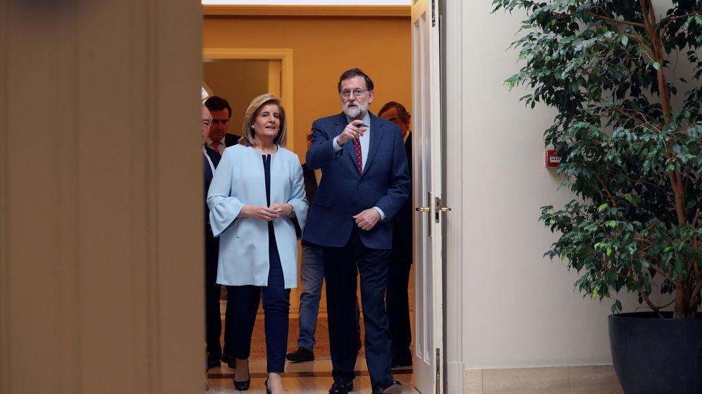 Foto: El presidente del Gobierno, Mariano Rajoy, y la ministra de Empleo y Seguridad Social, Fátima Báñez. (EFE)