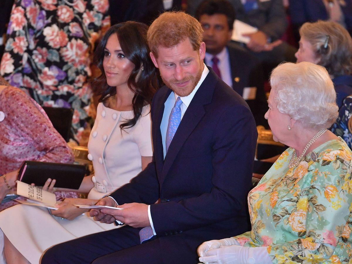 Foto: Meghan, Harry y la reina Isabel II, en una imagen de archivo. (Gtres)