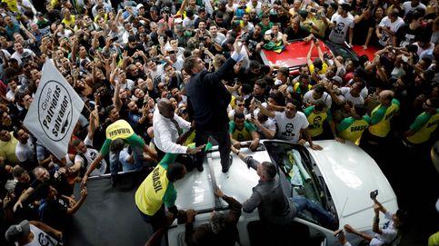 Del micropene a la milicia: cómo Bolsonaro sobrevivió al primer mes de gobierno