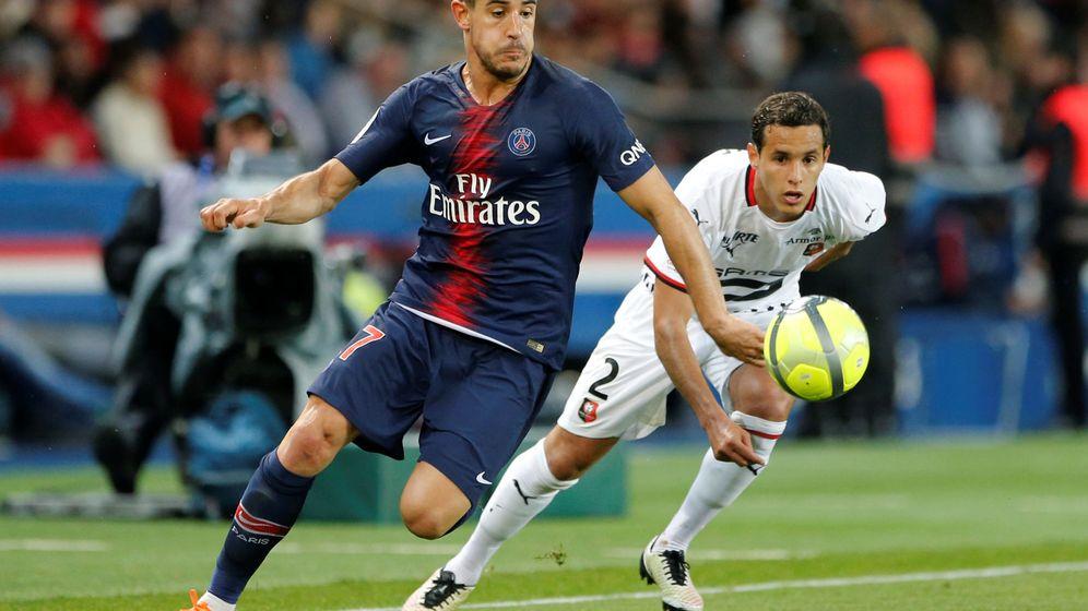 Foto: Yuri Berchiche durante un partido con el Paris Saint Germain. (Efe)