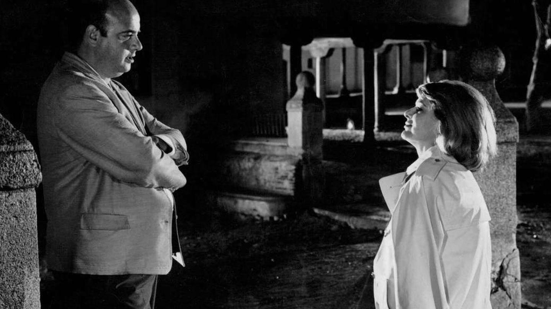 Juan Estelrich, en 1966, junto a Melina Mercouri en el rodaje de '10:30 de una noche de verano'. (Demipage)