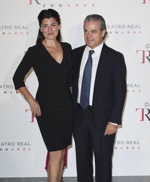 Foto: Marcos de Quinto, con su esposa, la conocida soprano Angélica de la Riva. (Getty)