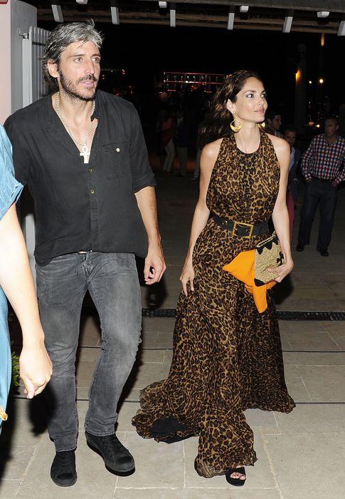 Foto: Eugenia Silva y Alfonso de Borbón durante una fiesta en Marbella en el mes de julio. (I.C.)