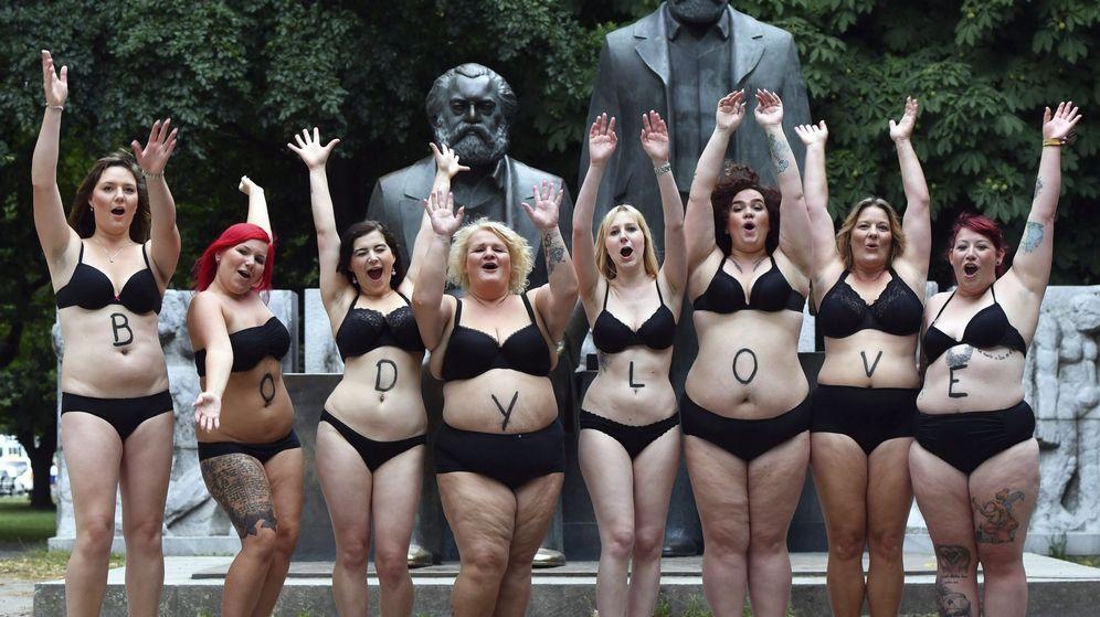Foto: Modelos de tallas grandes se manifiestan en Berlín a favor de una imagen real de la mujer. (EFE)