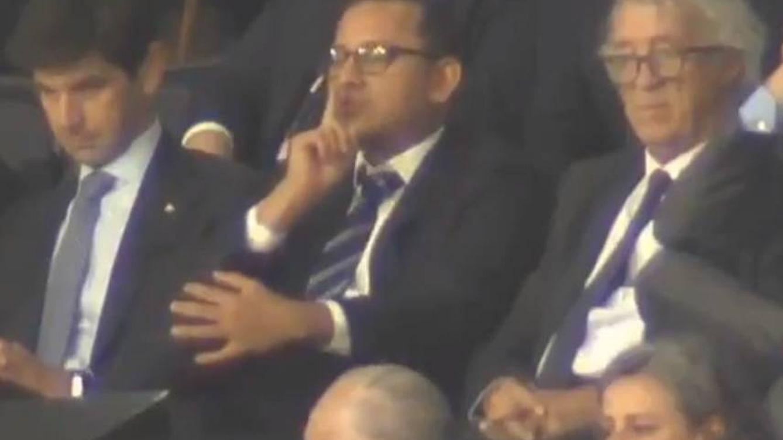 El presidente del Valencia manda callar a Mestalla y denuncia amenazas de muerte