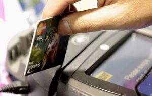 Tarjetas de doble filo: devuelven las compras pero dinamitan el bolsillo