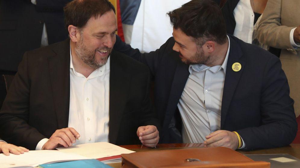 Foto: Junqueras en el Congreso con Gabriel Rufián. (EFE)