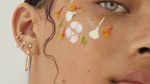Los pendientes mini que te harán correr a agujerearte (más) las orejas