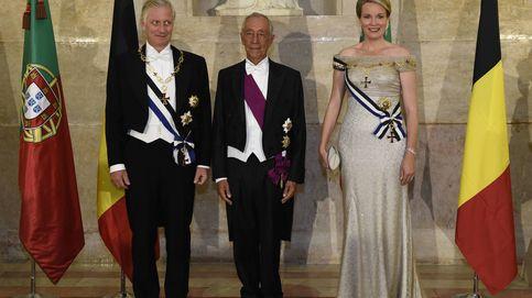 La reina Matilde de Bélgica, una burbuja Freixenet en su cena de gala en Portugal