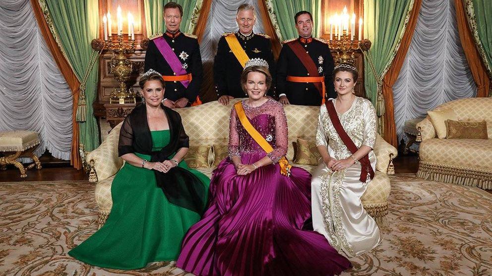 Cena de gala (con tiaras y muchos brillos) en Luxemburgo y la minipresencia de Letizia