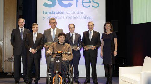 SERES premia el compromiso social de La Caixa y Fundación Telefónica