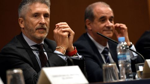 Anulan las medallas a dedo a tres comisarios jubilados que subían un 15% su pensión
