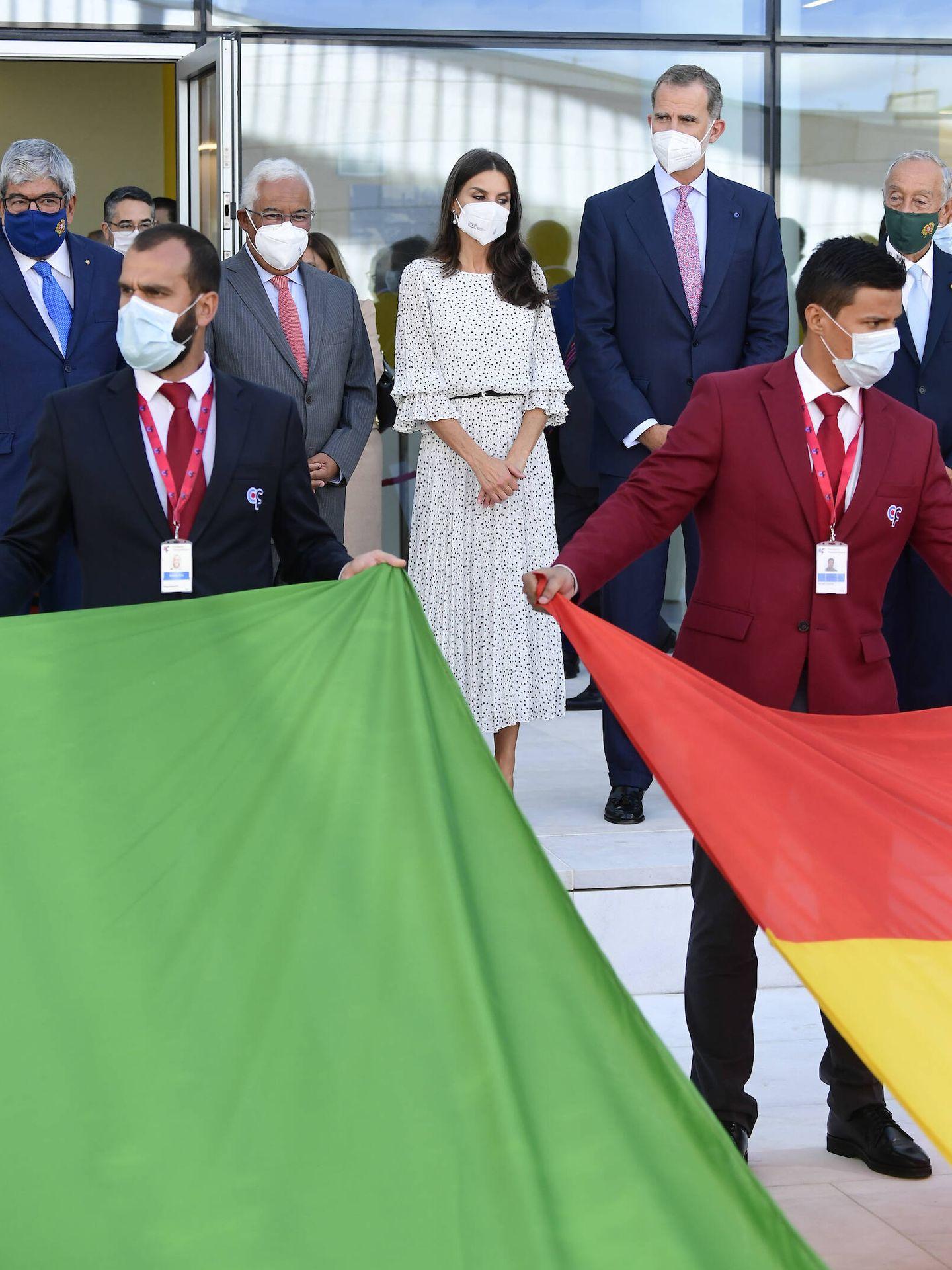 El acto de inauguración, con la bandera de ambos países. (Limited Pictures)
