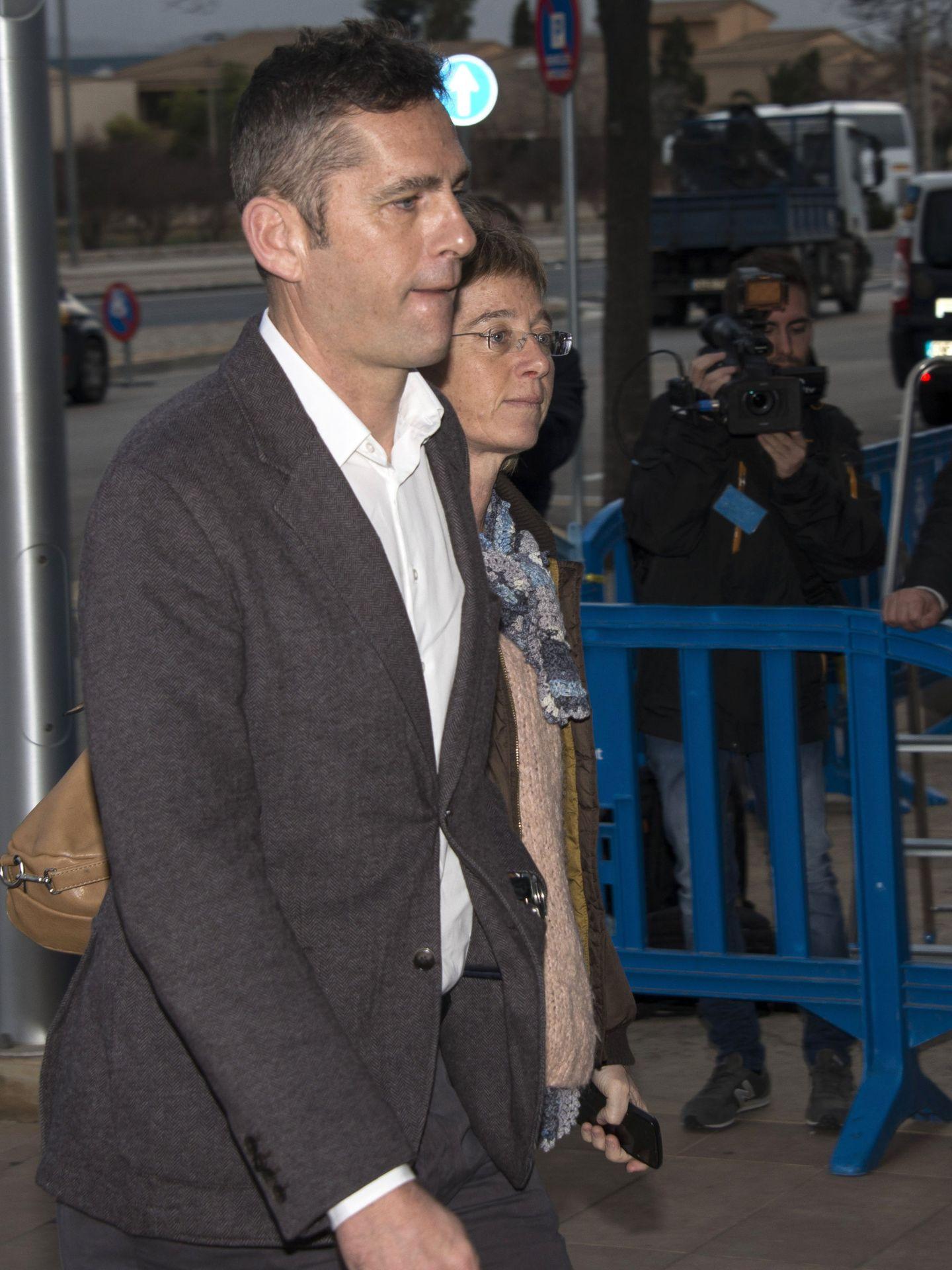 Clara y Mikel Urdangarin, en los juzgados de Palma. (EFE)