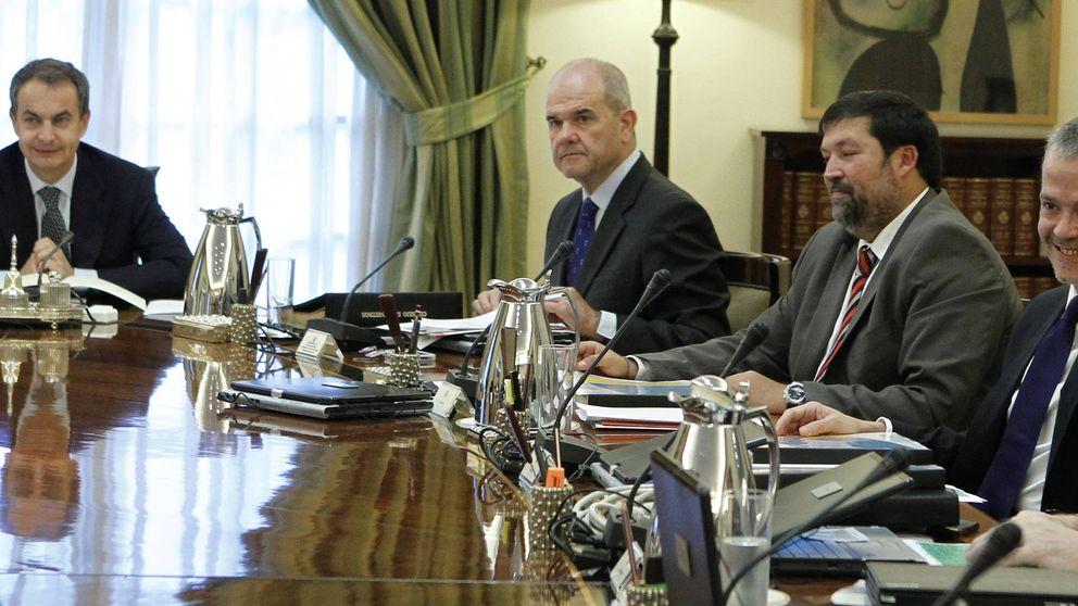 Zapatero, 16 indultos por violencia de género; Rajoy, ocho por tráfico
