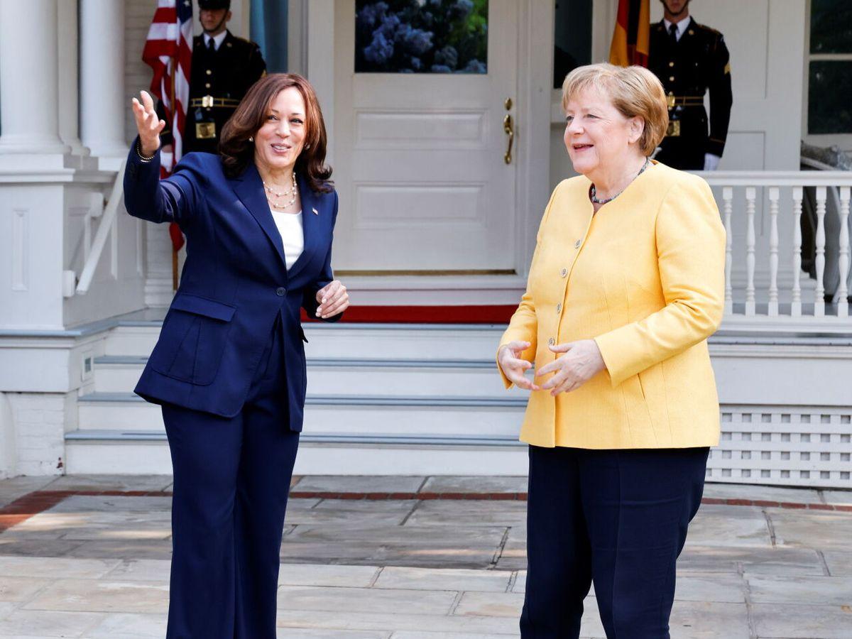 Foto: Kamala Harris y Angela Merkel, en su desayuno histórico. (Reuters)