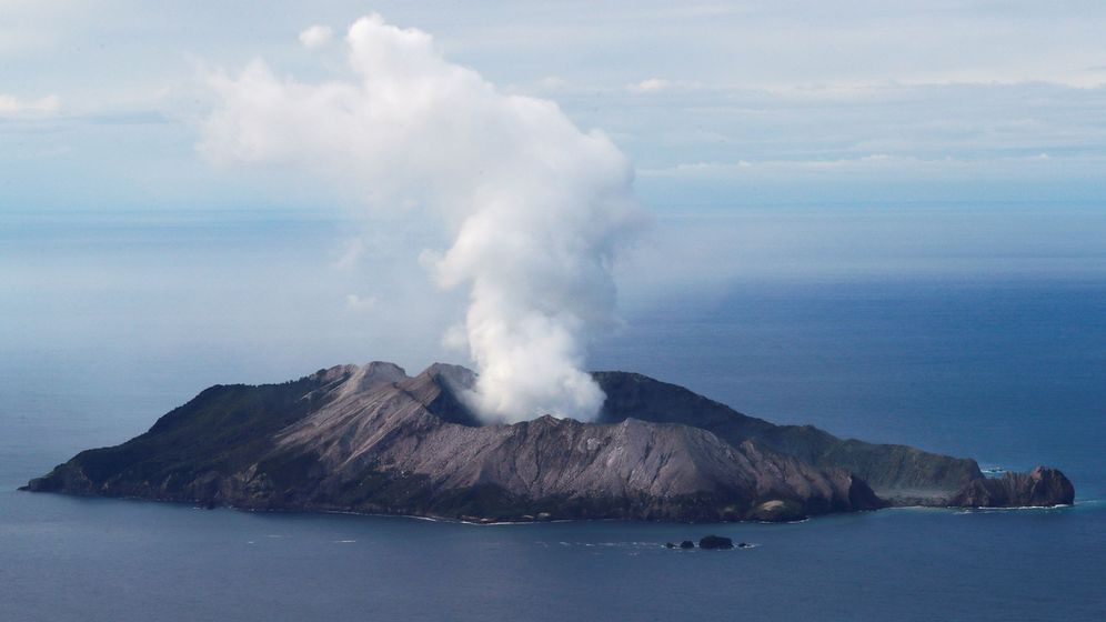 Foto: Erupción del Whakaari, el pasado diciembre. (Reuters)