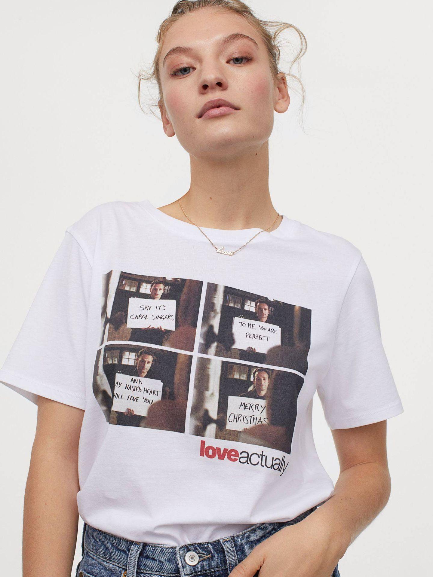 Camiseta de HyM de 10 euros de 'Love Actually'. (Cortesía)
