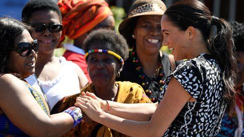 Los Sussex en África: de la llegada con Archie al look de Meghan (con calzado español)