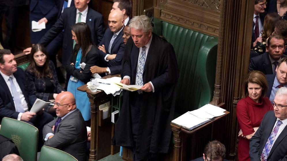 Foto: El presidente de la Cámara de los Comunes John Bercow habla a los parlamentarios, en Londres. (EFE)
