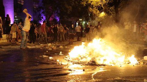 Noche de disturbios en Paraguay contra la reelección: un muerto, el Congreso arde...