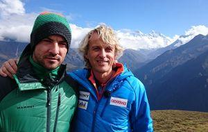 Bisbal escala el Everest tras disfrutar de 'La China' Suárez
