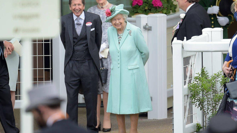 Isabel II vuelve a brillar: recupera la sonrisa y sorprende en Ascot ante una gran ovación