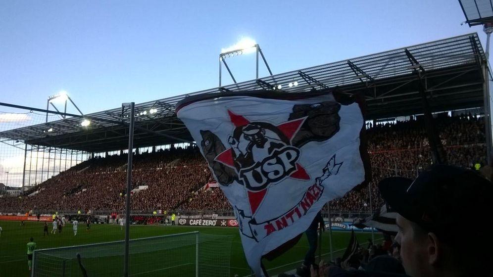 Foto: El St Pauli, los piratas del fútbol que mejor exprimen a su calavera